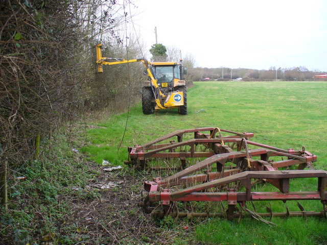 hedge-cutting_warnborough_green_-_geograph-org-uk_-_670859